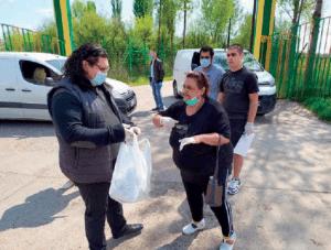 Read more about the article Подела хуманитарне помоћи најугроженијим ромским породицама у Војводини