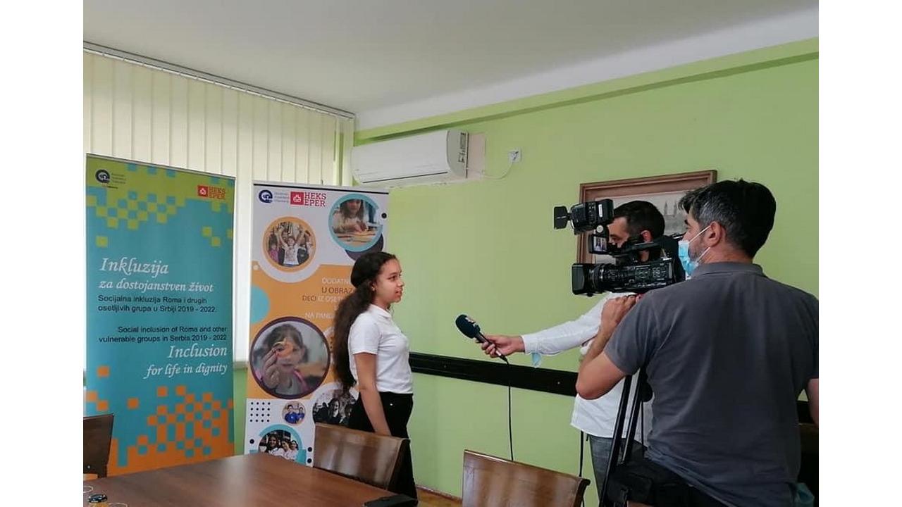 Read more about the article Донирано 40 таблет уређаја школама у Жабљу и Ђурђеву